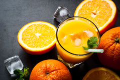 Verse jus d'orange en sinaasappel Stock Afbeelding