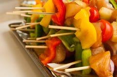 Verse kip shish kebab Stock Afbeeldingen
