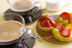 Verse koffie en cake Royalty-vrije Stock Foto's