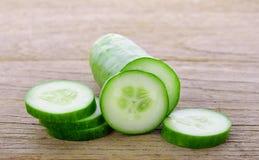 Verse Komkommerplak op hout royalty-vrije stock foto's