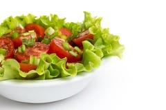 Verse lichte salade met kersentomaten en bieslook Royalty-vrije Stock Foto's