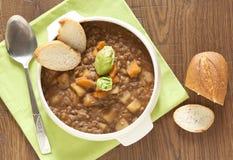 Verse linzesoep met aardappel royalty-vrije stock foto's