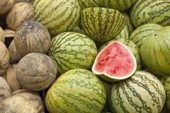 Verse meloenen en watermeloenen stock fotografie