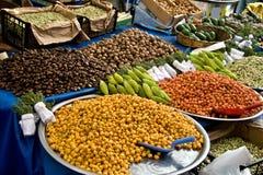 Verse Organische Hawthorns bij een Markt van de Straat Stock Foto