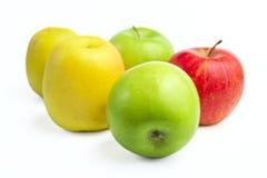 Verse rijpe appelen Stock Afbeeldingen