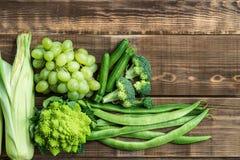 Verse Ruwe Autumn Green Vegetables en Vruchten Royalty-vrije Stock Fotografie