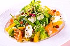 Verse salade in kom Stock Foto's
