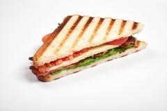 Verse sandwich dichte die omhooggaand met groenten en vlees op witte achtergrond wordt geïsoleerd royalty-vrije stock foto's