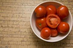 Verse sappige tomaten Royalty-vrije Stock Afbeeldingen