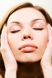 Verse schoonheidsvrouw met schone huid stock fotografie