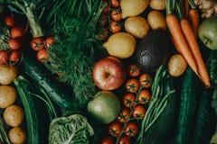 Verse smakelijke rauwe groenten stock foto's