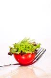 Verse tomaat en salade canape op een vork Royalty-vrije Stock Foto's