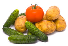 Verse tomaat, komkommers en aardappels Royalty-vrije Stock Foto's