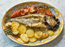 Verse vissen die in Owen worden gekookt royalty-vrije stock afbeelding