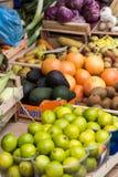 Verse vruchten en groenten voor verkoop in Campo DE Fiori, Stock Foto