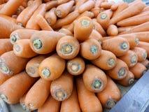 Verse wortel bij markt Stock Fotografie