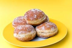 Verse zandkoeken -zandkoek-donuts. Stock Fotografie