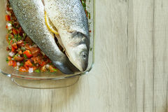 Verse zeebaars met groenten Royalty-vrije Stock Afbeelding