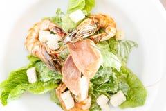Verse zeevruchtensalade met garnalen stock foto