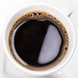 Verse zwarte koffie dichte omhooggaand Royalty-vrije Stock Foto's