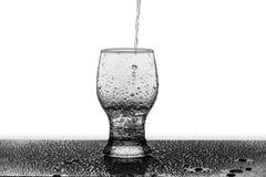 Versement de l'eau Images stock