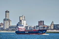 Versenden Sie auf seiner Weise nach Antwerpen in Vlissingen-Ufergegend lizenzfreie stockbilder