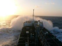 Versenden Sie mit Ladung auf dem Kiel-Kanal, Deutschland Stockfotografie