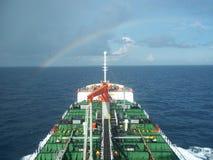 Versenden Sie mit Ladung auf dem Kiel-Kanal, Deutschland Stockfoto