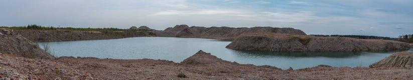 Versenktes Bergwerk am Frühling lizenzfreies stockbild