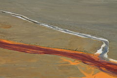 Verseuchtes Bergwerkwasser in Rosia Montana 2 stockfotografie