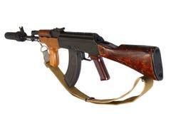 Versión del rumano del Kalashnikov AK 47 con el supresor sano (silenciador) foto de archivo libre de regalías