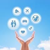Versicherungsdesign über Himmel Stockfotos