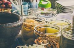 Versier voor papajasalade Thais voedsel stock foto