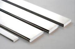 Versilbern Sie Metall Rod stockfotos