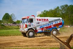Version de Tatra Dakar dans l'action images stock
