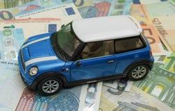Versione blu-chiaro 2013 dell'automobile di Mini Cooper Fotografie Stock