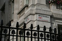 Verslaande straat, de hoek van Whitehall Royalty-vrije Stock Afbeeldingen