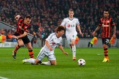 Verslavend spel tussen het FC Shakhtar Donetsk van het teamsogenblik en Bayer Leverkusen Royalty-vrije Stock Foto's