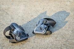 Versleten polswachten voor het met een skateboard rijden Stock Afbeeldingen
