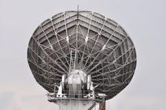 Antena do sistema de televisão satélite Fotografia de Stock Royalty Free