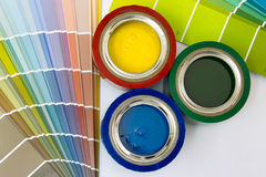 Versorgungen für das Malen Stockbilder