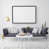 Verspotten Sie herauf Plakat mit Weinlesehippie-Dachbodeninnenraumhintergrund Stockbilder