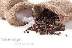 Verspreid zout en peper royalty-vrije stock afbeelding