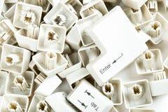 Verspreide toetsenbordsleutels op wit Royalty-vrije Stock Fotografie
