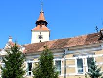 Verstärkte mittelalterliche Kirche im Dorf Verschlusspfropfen, Siebenbürgen Lizenzfreies Stockfoto
