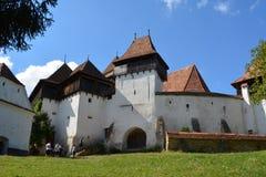 Verstärkte mittelalterliche Kirche im Dorf Viscri, Siebenbürgen Stockfotografie