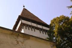 Verstärkte mittelalterliche sächsische evangelische Kirche im Dorf Somartin, Martinsberg, Märtelsberg, Siebenbürgen, Rumänien Lizenzfreie Stockbilder