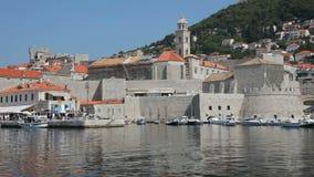 Verstärkter Hafen von Dubrovnik, Kroatien stock footage