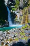 Versteckte Fälle, Hollyford, Nationalpark Fiordland lizenzfreies stockbild