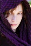 Versteckte Frau auf Schleier lizenzfreie stockfotografie